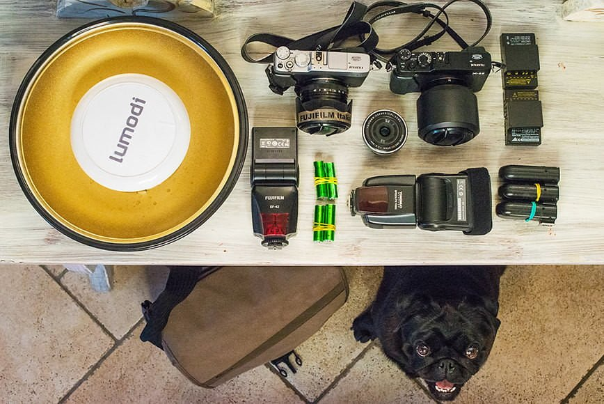 Wedding photographer Fabio Camandona brings along at least 6 batteries to use with his a Fujifilm X-E2 mirrorless camera.