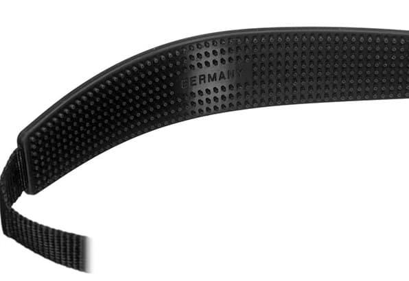 Leica strap close up