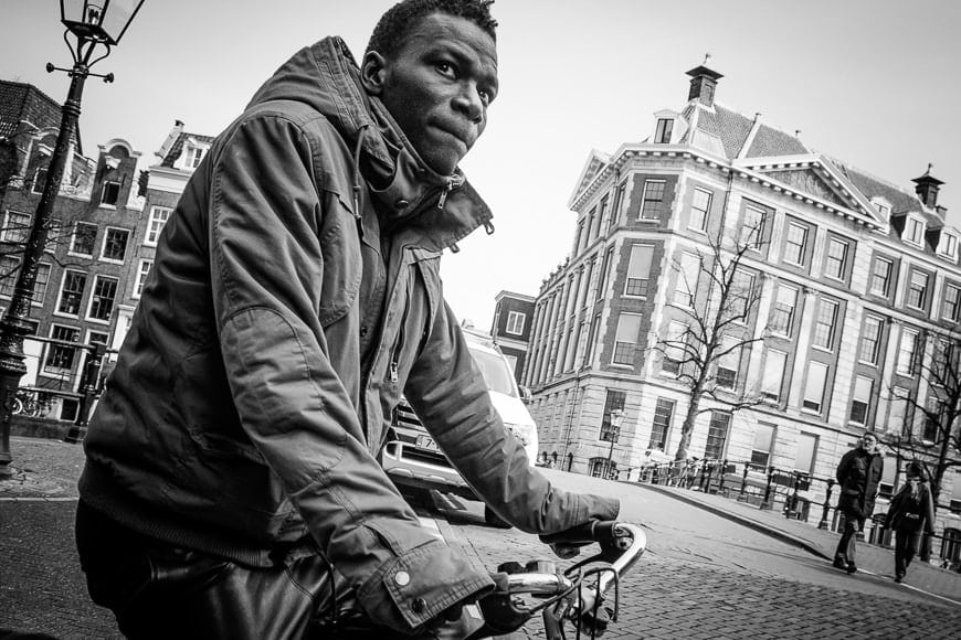Street photographer Dominik Woerner relies on the fast autofocus of the Sony a7, even when used in conjunction of Canon FD- lenses via an adapter made by quenoX.