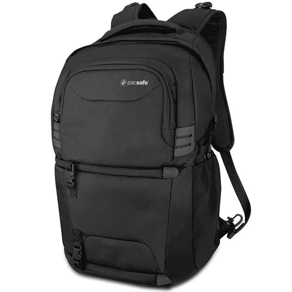 travel backpack for photographers