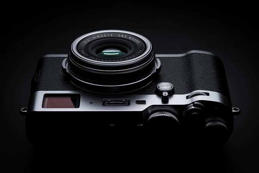 fuji x100f review - hybrid viewfinder, fixed focal length, optical viewfinder and electronic viewfinder. Great dynamic range, fast shutter speed, f2 max aperture