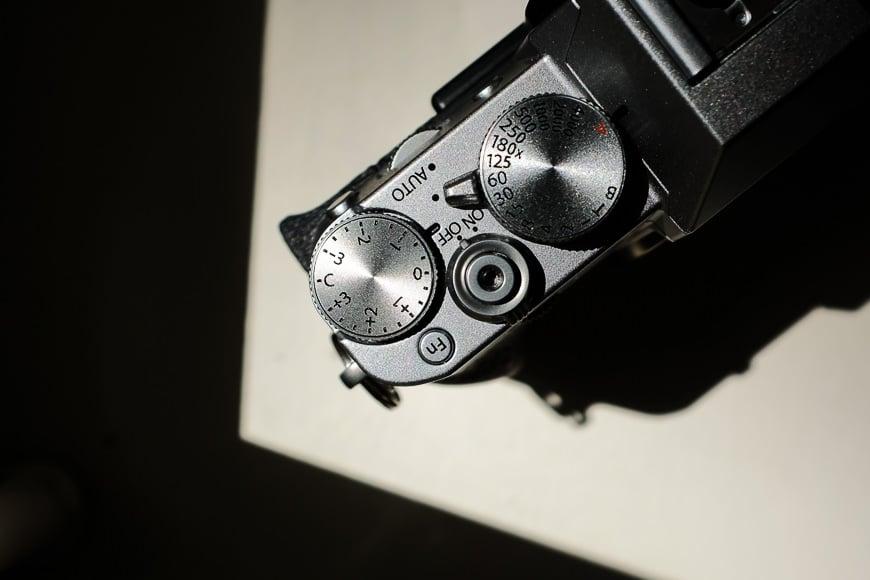 Fuji XT20 dials