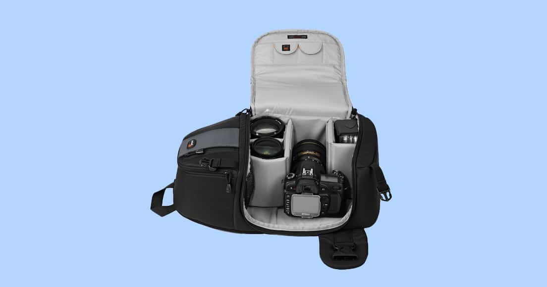 c742c5fe9b64 The pockets on the front of the LowePro Slingshot 202 are designed in a way  that when you have the bag in  sling  mode (i.e. at the front of your  body)