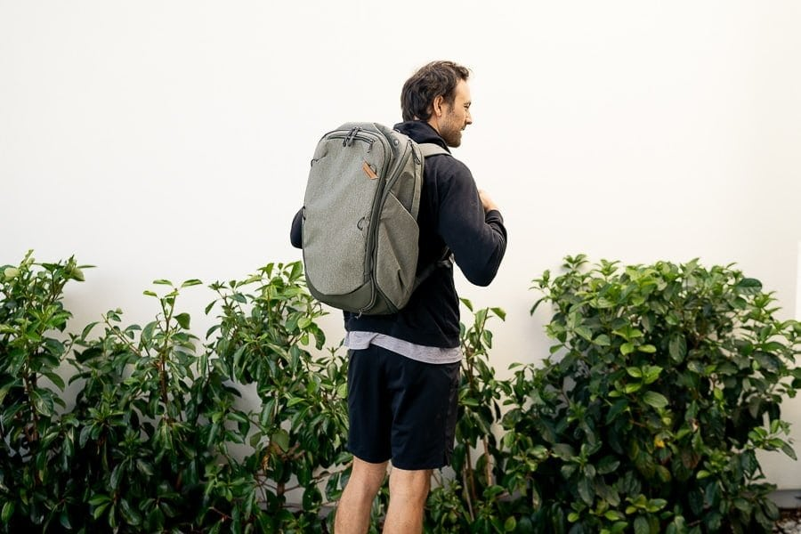 Peak-design-travel-bag-sage