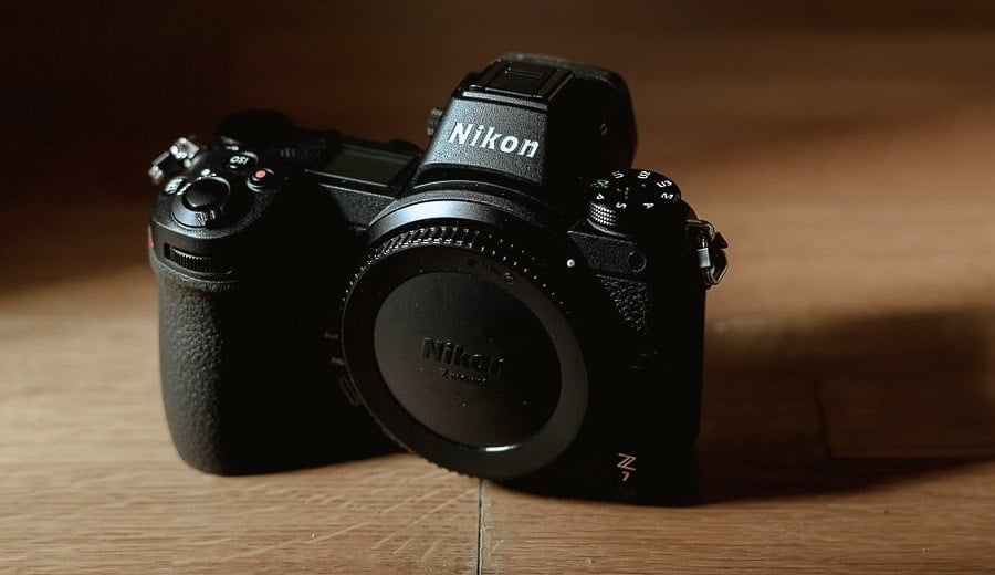 Nikon Z7 Review handling and control