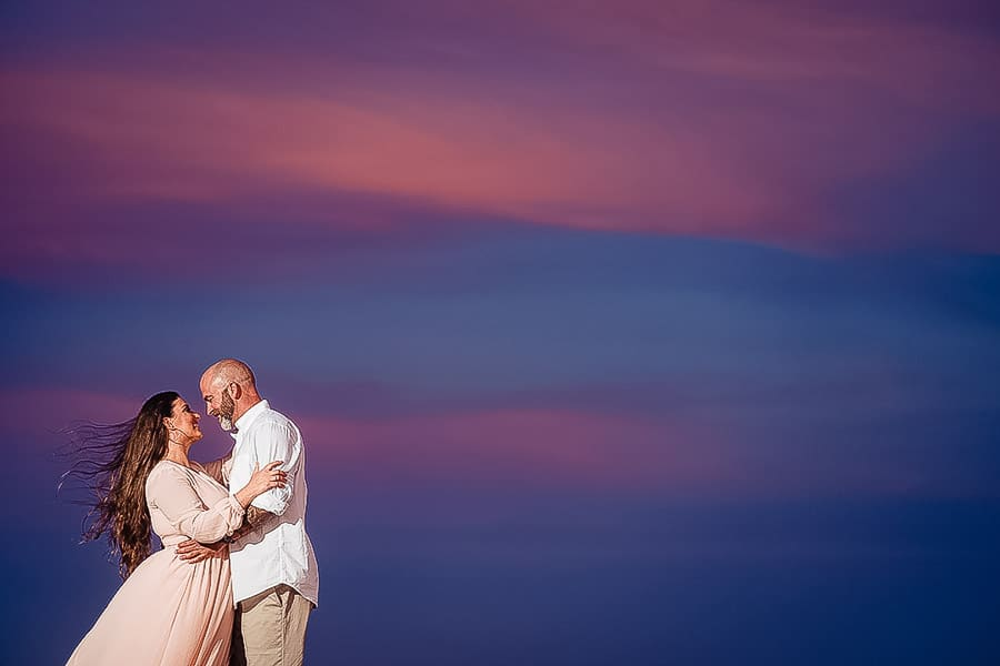 Romantic couple shot with pink/blue sky using Stella Po CL5000