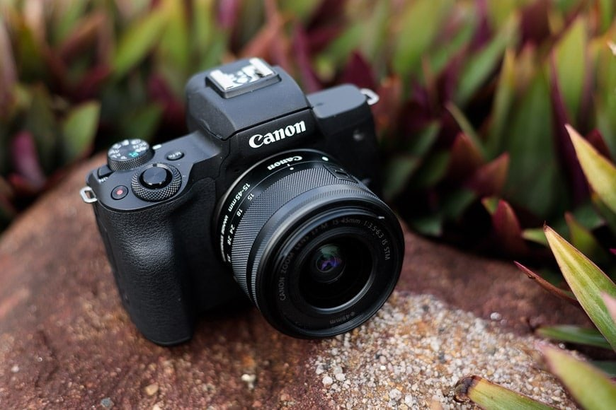 canon eos m50 review - 4k video mirrorless camera with dual pixel, digic 8 processor electronic viewfinder 235 shots per charge, pixel cmos af
