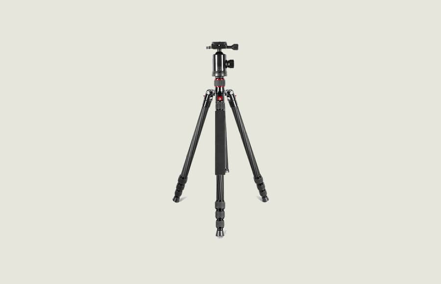 best carbon fiber tripod with bubble level and leg angle options. Good maximum load and build quality