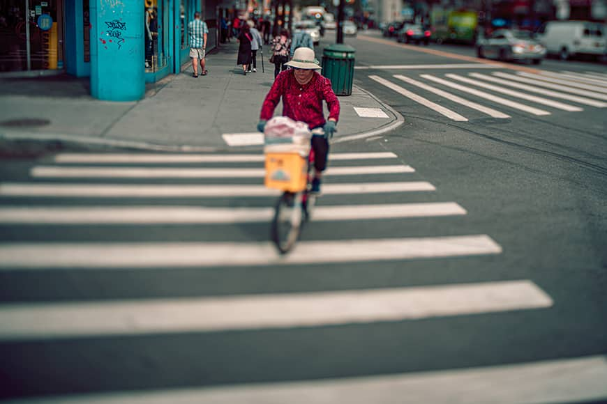 street photography with lensbaby