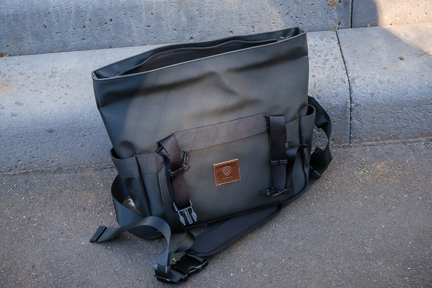 langly-cross-body-camera-bag