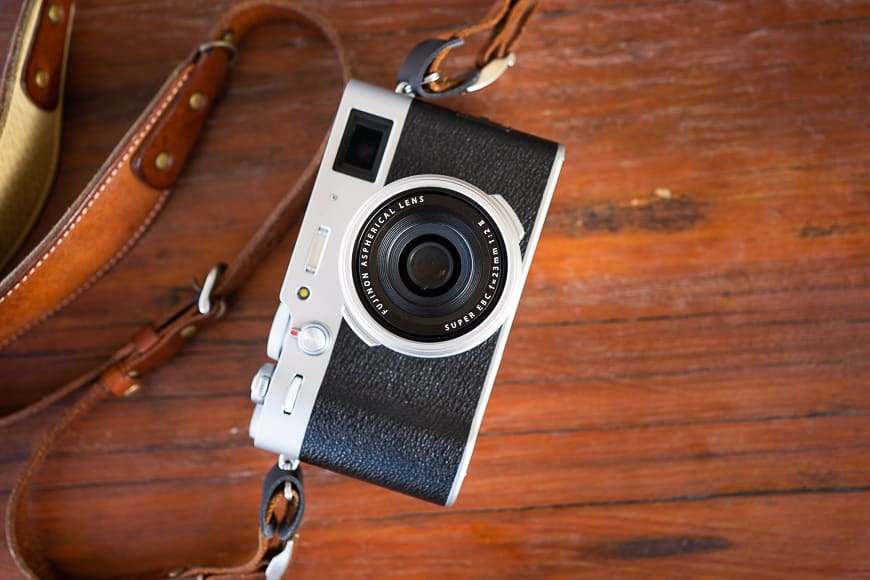 Fuji x100 v best compact cameras with aps-c sensor & electronic viewfinder