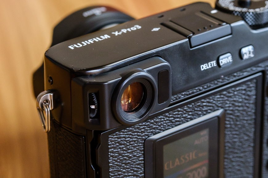 fujifilm x-pro3 review - viewfinder above the rear LCD