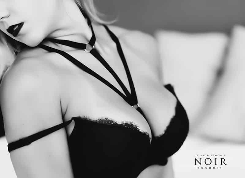 capture detail and light on camera for flattering boudoir photography images