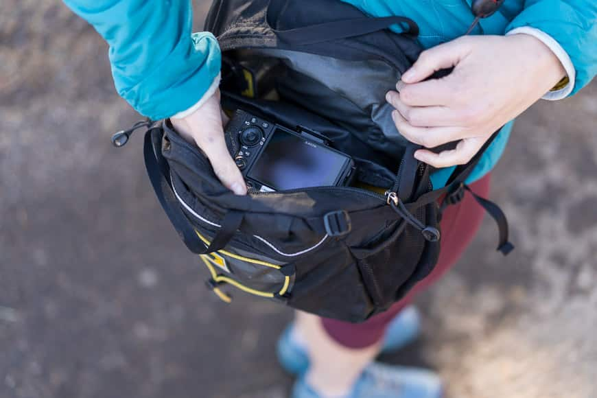 the mountainsmith daylight lumbar pack is perfect for hiking