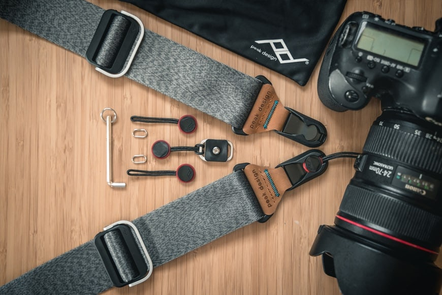 The Peak Design Slide hobby kit includes 4 Anchors and a soft pouch for storage.