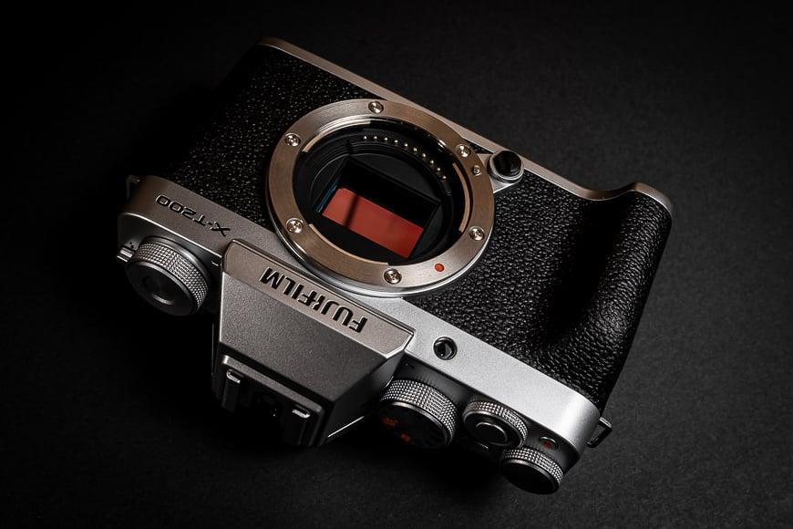 Gorgeous Fujifilm retro design in the X-T200.