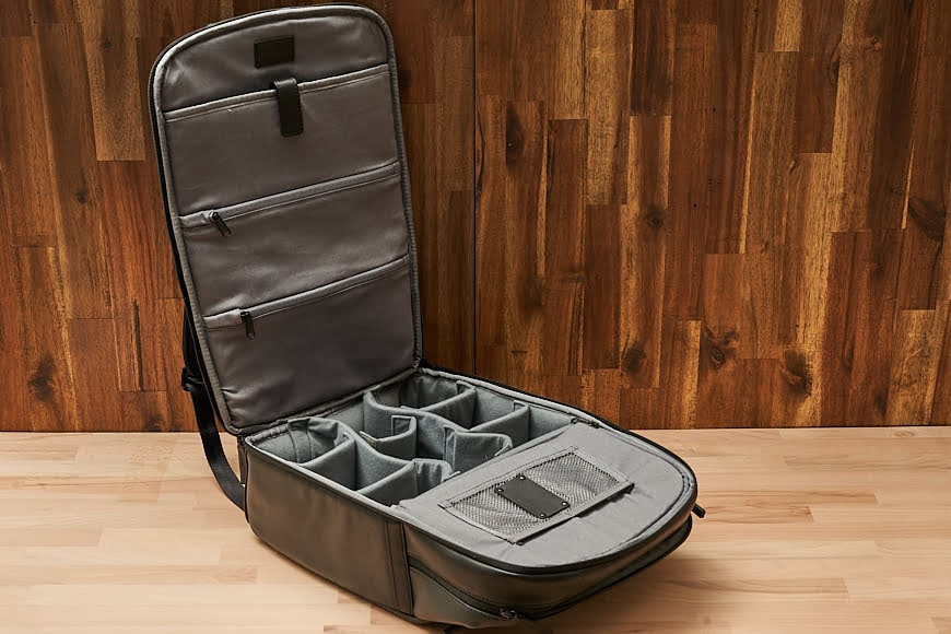 The Cecilia Mercator 16L offers many pockets and storage options.