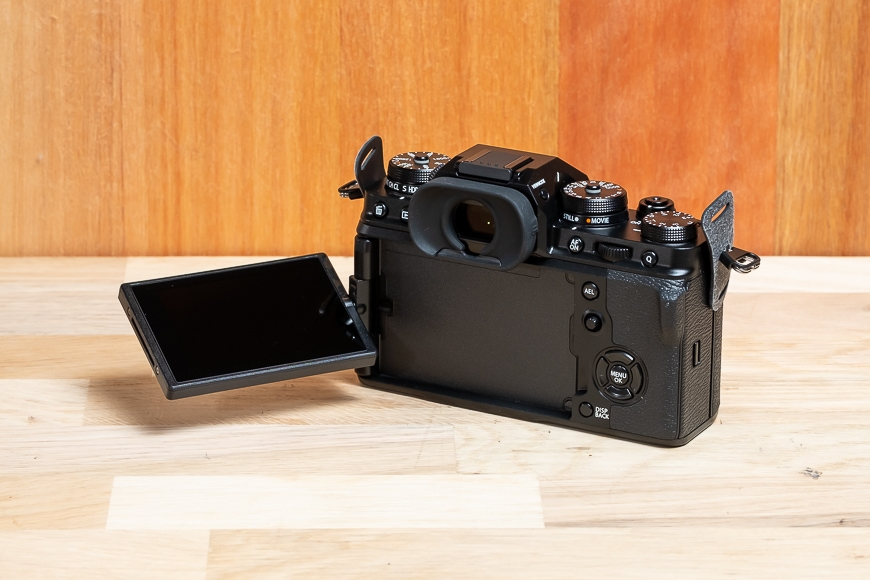 New to the X-T series, the X-T4 features a full flippy, rotating touch screen.