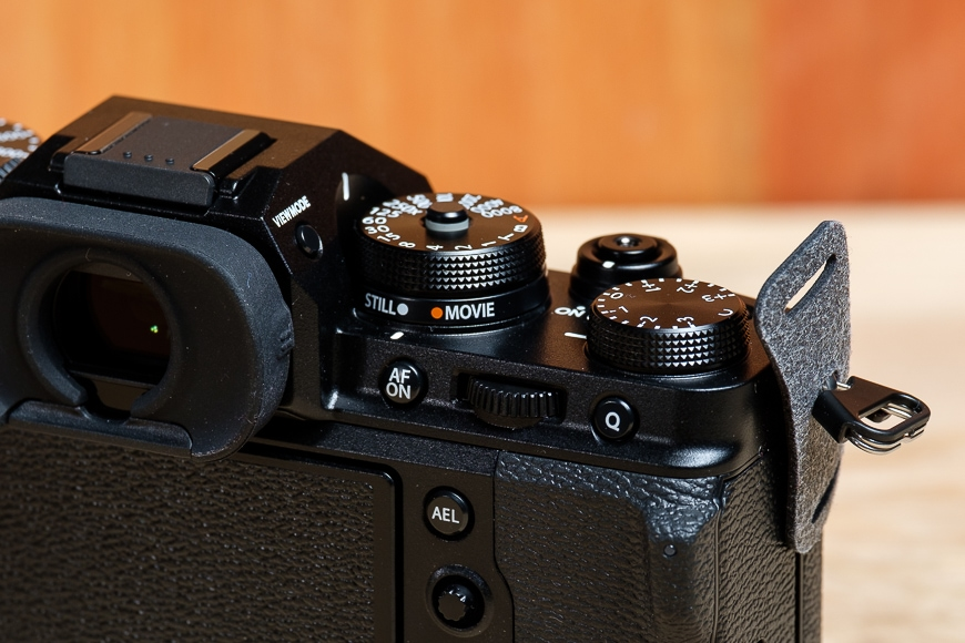 Control dials on the Fujifilm X-T4