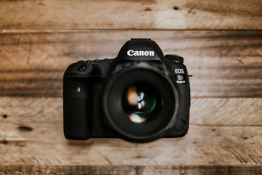 canon camera with high resolution sensor, video capability and a range of features