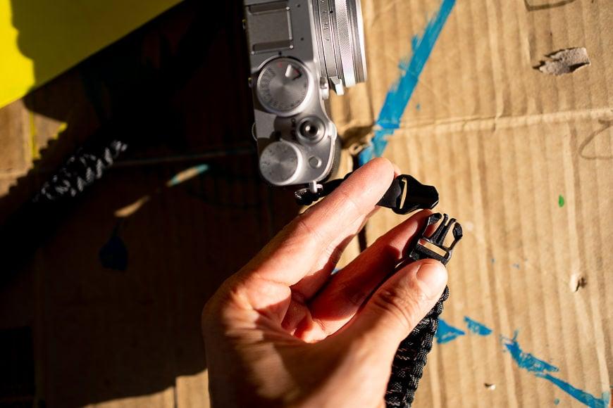 quick release camera strap clips