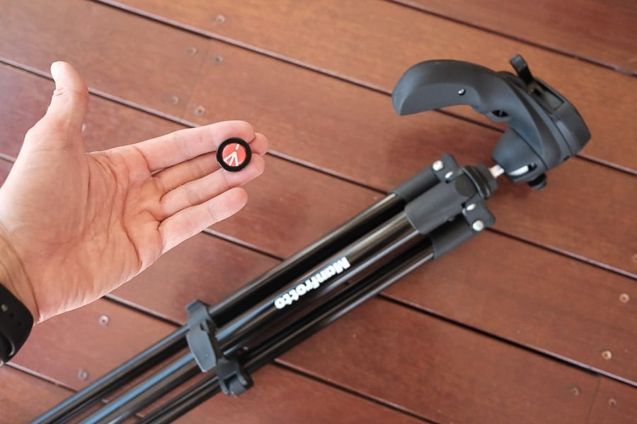 quick-release plate with twist locks for dslr camera or phone