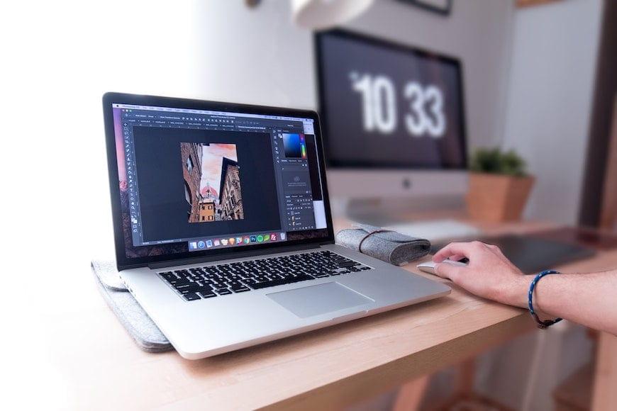 adobe photoshop lightroom cc on laptop
