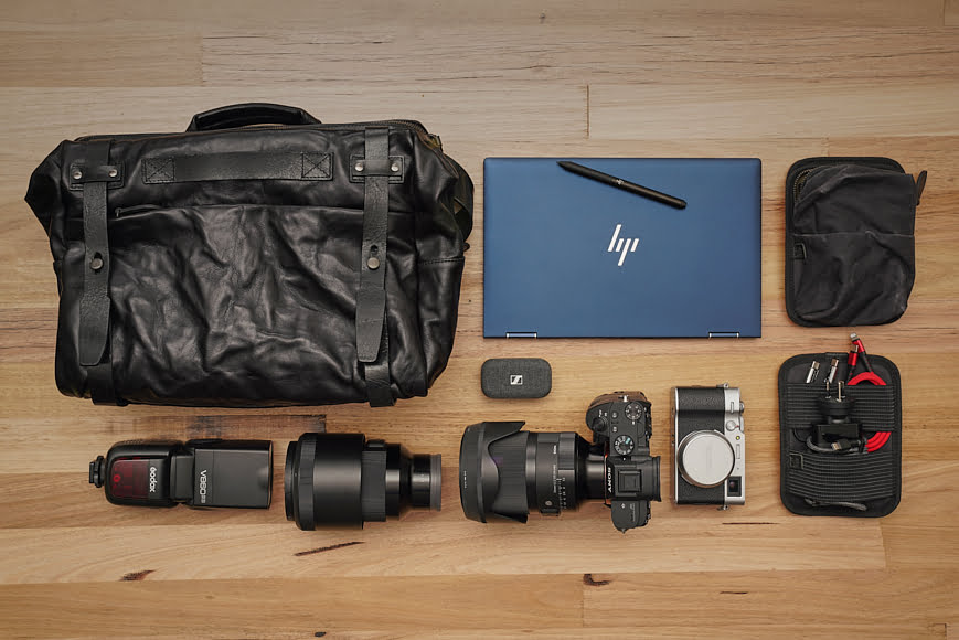 When using it in the camera bag form, the capacity increases substantially.
