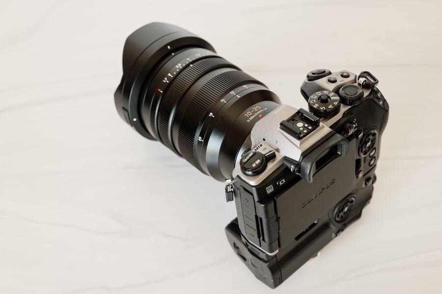 The Panasonic Leica 10mm-25mm f/1.7 lens mounted on an Olympus OMD EM1 II.