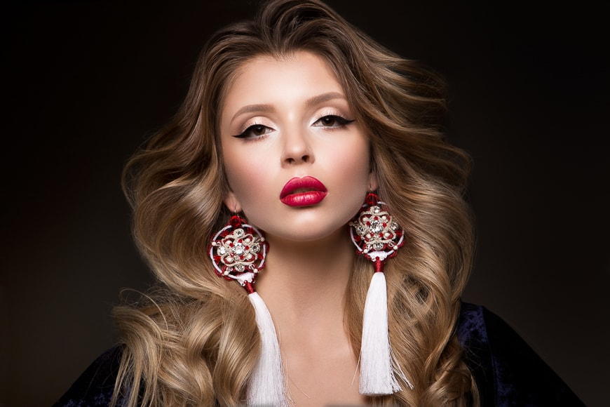 Studio sessions are used for glamour fashion shoots. Lighting setups and a shot list are important.