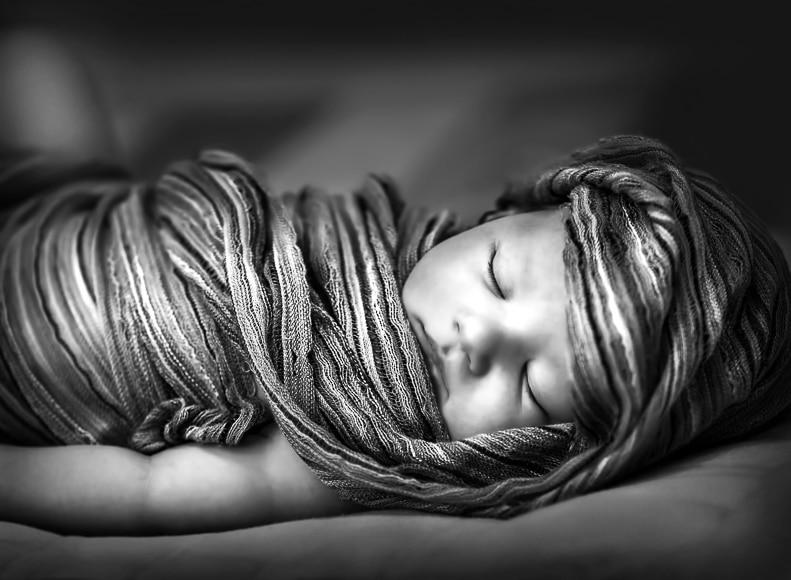 Anne Gedes style newborn image.