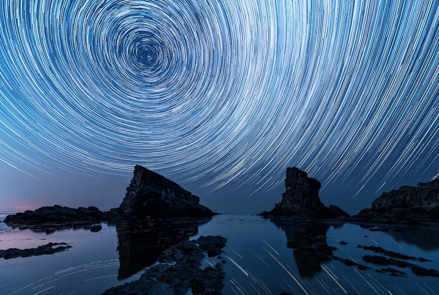 If you picture stars moving in a spiral motion, that's one of the trails types known as star circles.