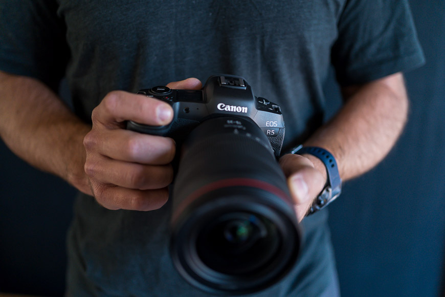 The Canon EOS R5 with the 15-35mm f/2.8 lens balances nicely.