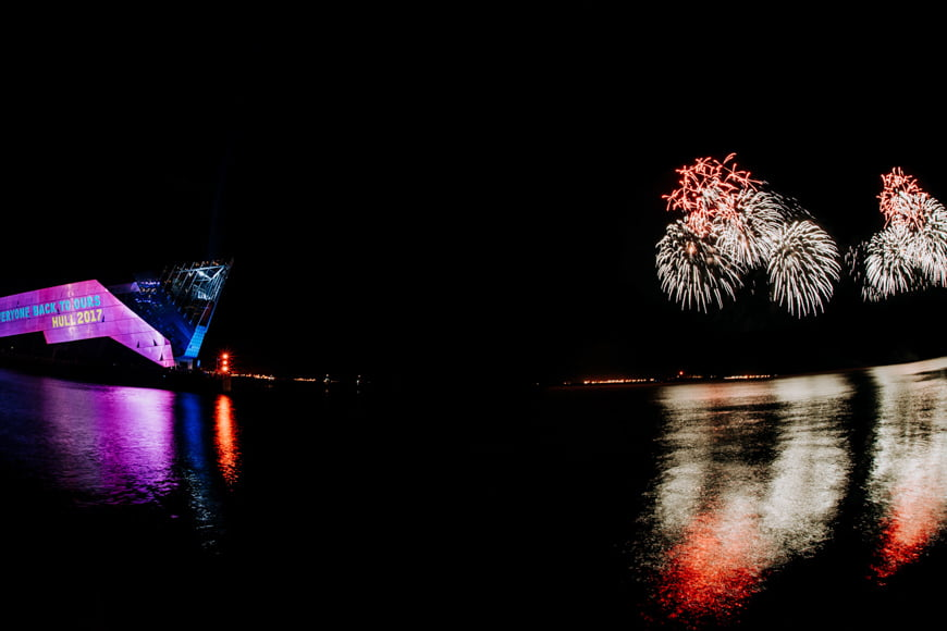 Auto white balance is not used when shooting fireworks