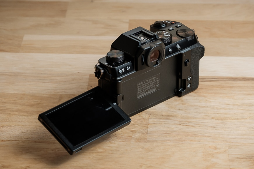 The Fujifilm X-S10 screen is fully articulating