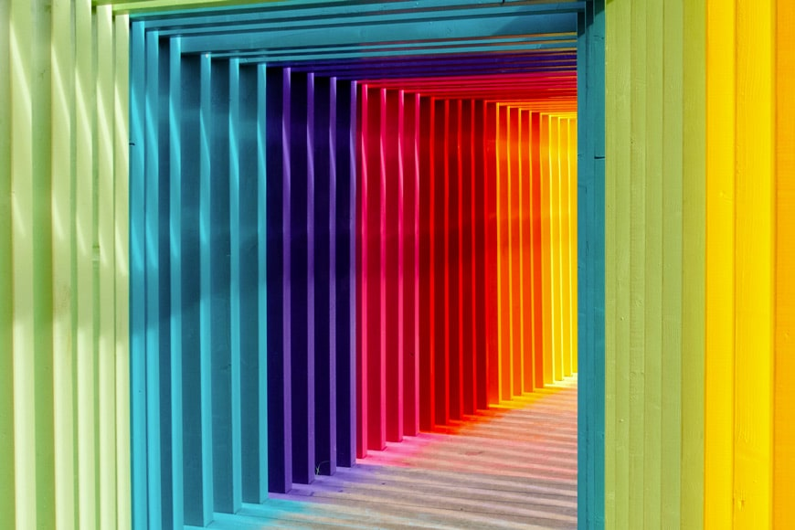 Square tunnel with different colours