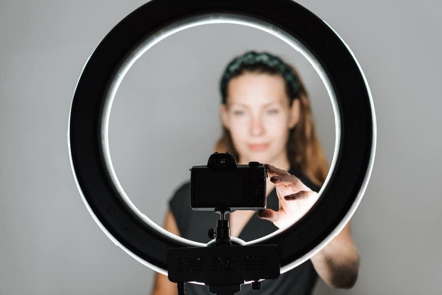 Self portrait photography using ring light